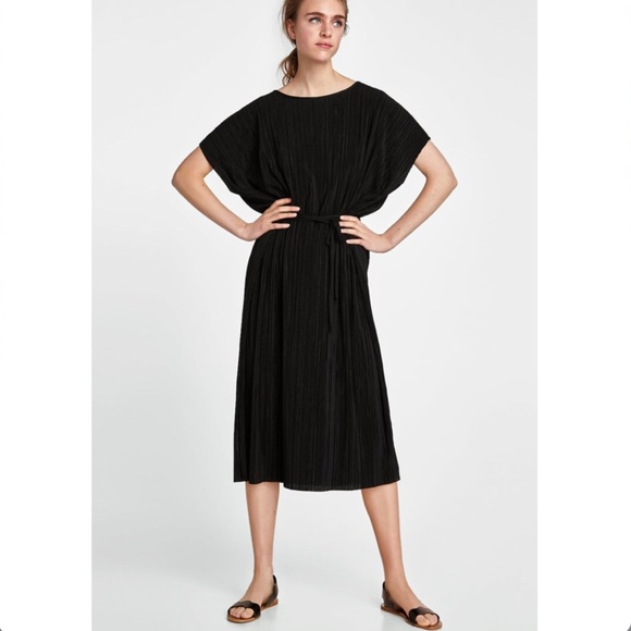 Zara Dresses & Skirts - Zara Pleated Dress With Belt